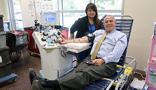Senator Bateman to Host Blood Drive on May 8th – Sign Up Today!