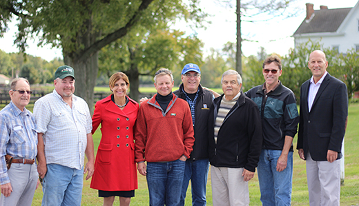 Beck Tours Monmouth Horse Farms to Rally Support For Gaming Expansion Referendum