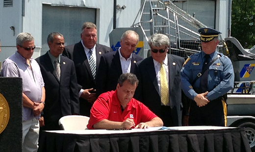 Holzapfel, Wolfe & McGuckin Bill Increasing Penalties for Leaving Scene of a Boating Accident Signed Into Law