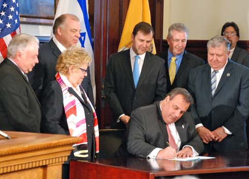Sens. Kean and Bucco at signing of SJR-70
