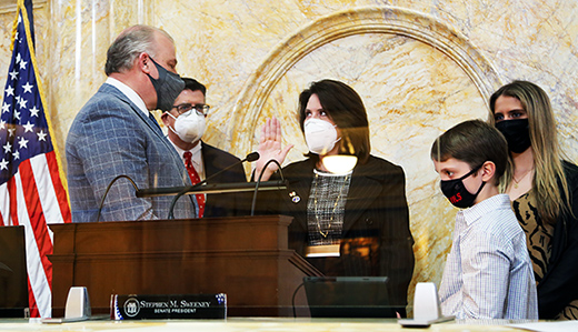 Senator Holly Schepisi Takes Oath of Office